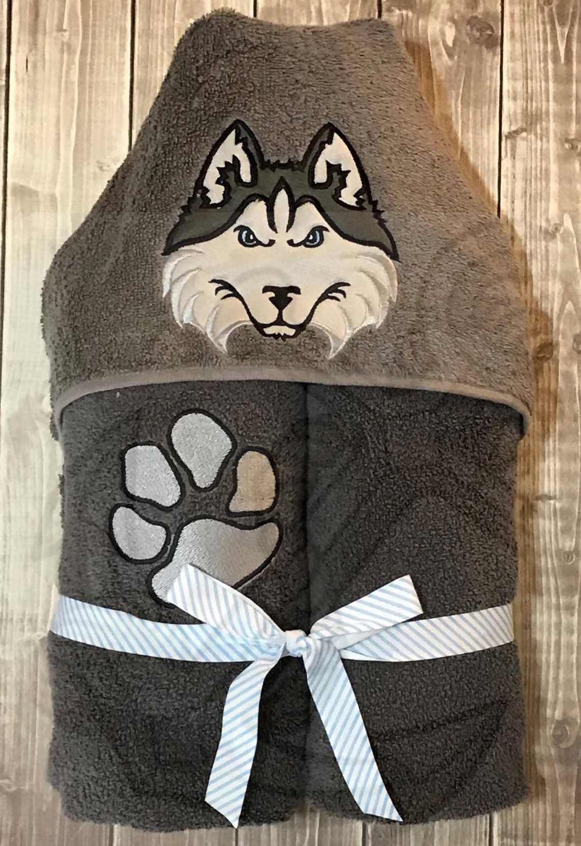 Husky Dog Peeker Applique Design With Paw Print 2 Designs 3 Sizes